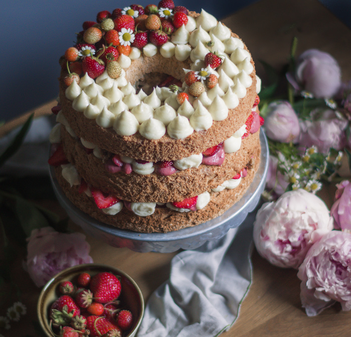 Recipe For Cinnamon Angel Food Cake Filled With Rhubarb Strawberry