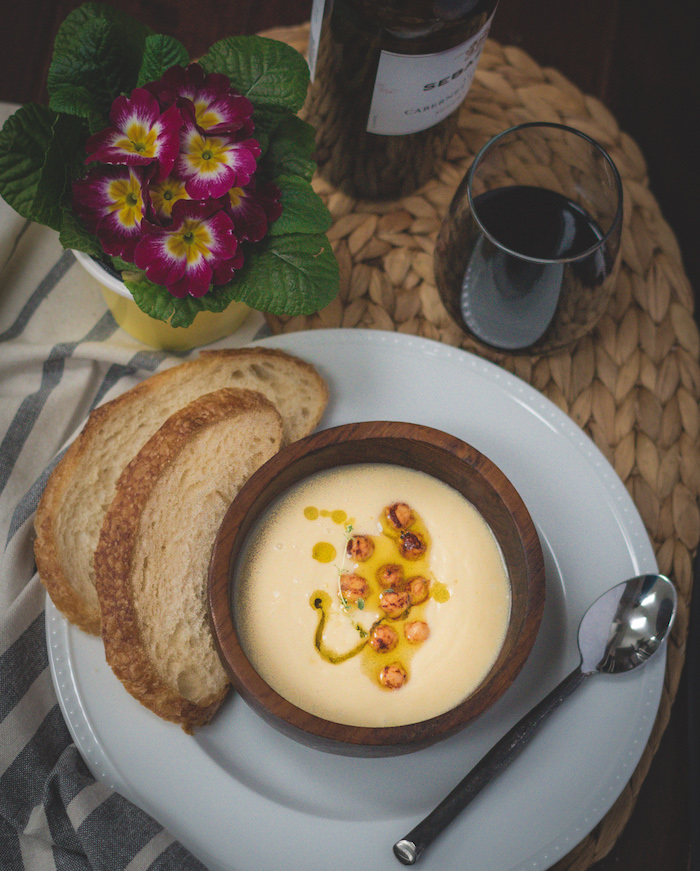 Recipe for easy sous vide parsnip chickpea soup.